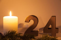 圣诞前夕礼品节假日许多装饰品 免版税库存图片