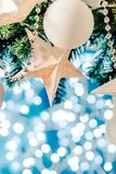 圣诞卡星诗歌选、蓝色和银色xmas装饰复制空间 快活的圣诞节 库存照片