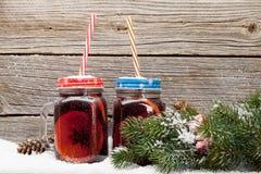 圣诞卡用被仔细考虑的酒 免版税库存图片