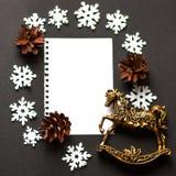 圣诞卡鹿, flatley,圣诞节球,圣诞树 免版税库存照片