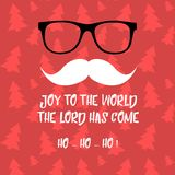 圣诞快乐与圣诞老人的贺卡 行家样式 圣诞老人` s髭和玻璃 圣诞老人胡子 免版税库存照片