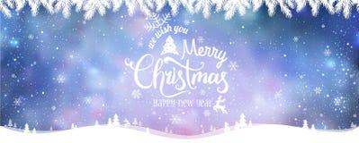 圣诞快乐和新年印刷在假日背景与冬天环境美化与雪花,光,星 免版税图库摄影