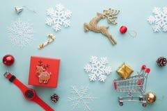 圣诞快乐和新年好 雪花泡沫切削刀,是 库存照片