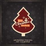 圣诞快乐和新年快乐贺卡,海报,横幅 在黑暗的雪花的红色圣诞树仿造背景 免版税库存照片