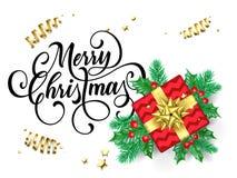 圣诞快乐礼物盒贺卡和金黄丝带在新年霍莉叶子或金子闪烁五彩纸屑背景鞠躬 Vecto 免版税库存图片