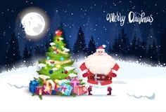 圣诞快乐背景冬天森林与杉树发光和圣诞老人的风景夜 免版税图库摄影