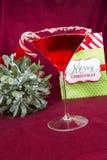 圣诞快乐鸡尾酒 免版税库存照片