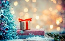 圣诞晚会的礼物 免版税库存照片