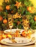 圣诞晚餐在餐馆 免版税库存照片