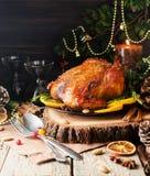 圣诞晚餐或新年空间的被烘烤的火鸡文本的 免版税库存照片