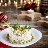 圣诞晚餐用olivier的沙拉 库存图片