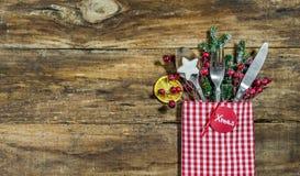 圣诞晚餐菜单桌餐位餐具 免版税库存图片