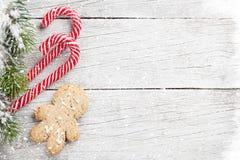 圣诞树、棒棒糖和姜饼人 库存图片
