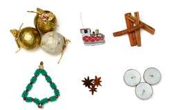 圣诞树、蜡烛、火车和桂香 免版税图库摄影
