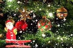 圣诞树和圣诞老人 免版税库存照片