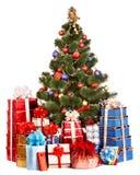 圣诞树和小组礼物盒 免版税库存照片