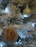 圣诞树和玩具 免版税库存照片