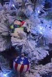 圣诞树和玩具 图库摄影
