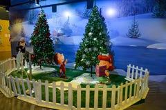 圣诞树和装饰在吉隆坡国际机场2, KLIA2中 免版税库存照片