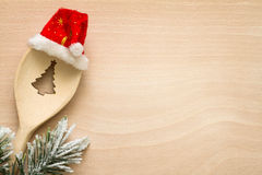 圣诞树在匙子摘要食物背景中 免版税库存照片