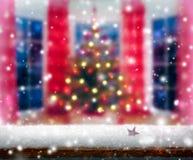 圣诞树在现代家 免版税库存图片