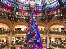 圣诞树在Galeries拉斐特巴黎 免版税库存图片
