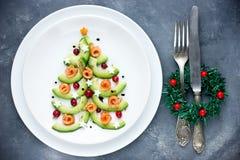 圣诞树开胃菜鲕梨三文鱼沙拉鞑靼的ceviche 免版税库存照片