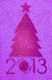 圣诞树水晶紫红色背景 库存照片