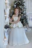 圣诞树的冬天公主 库存图片