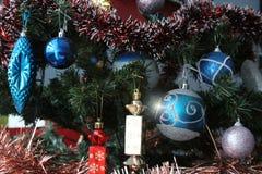 圣诞树的多数美丽的装饰 免版税库存图片