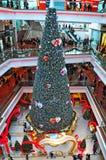 圣诞树节日结构购物中心,香港 图库摄影
