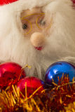 圣诞树装饰项目和圣诞老人 免版税库存图片