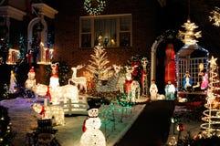 圣诞灯和装饰 免版税库存照片