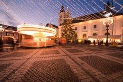 圣诞灯在城市 库存照片