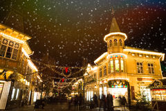 圣诞灯在游乐园Liseberg, Gothenbur,瑞典 免版税库存图片