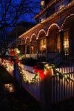 圣诞灯在Vioctorian镇 库存图片