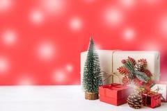 圣诞礼物、装饰品和装饰汇集 库存图片