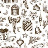 圣诞礼物的无缝的样式孩子的 糖果的袜子 与丝带和心脏的礼物 圣诞节玩具和冷杉 皇族释放例证