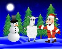 圣诞老人、绵羊和雪人在冬天森林里 库存照片