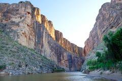 圣诞老人・埃琳娜峡谷和Rio Grande,大弯NP, TX 免版税库存照片
