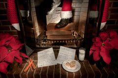 圣诞老人下来烟囱 库存照片