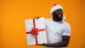 圣诞老人人藏品礼物盒和闪光,假日折扣,时刻买礼物 股票视频