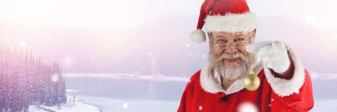 圣诞老人在与圣诞节中看不中用的物品装饰的冬天 免版税库存照片