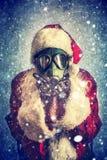 圣诞老人照片有防毒面具的 库存图片