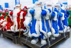 圣诞老人玩具在超级市场 库存照片