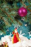 圣诞老人的例证一个雪橇的与驯鹿 免版税库存图片