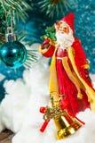 圣诞老人的例证一个雪橇的与驯鹿 免版税库存照片