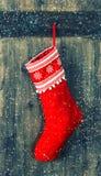 圣诞老人礼物的红色袜子 圣诞节储存 库存图片