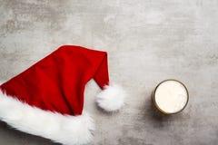 圣诞老人需要啤酒 免版税库存图片
