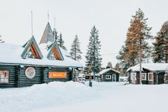 圣诞老人项目在村庄拉普兰斯堪的那维亚 库存照片